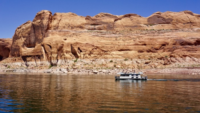 A Day in the Life: Lake Powell Houseboating Trip